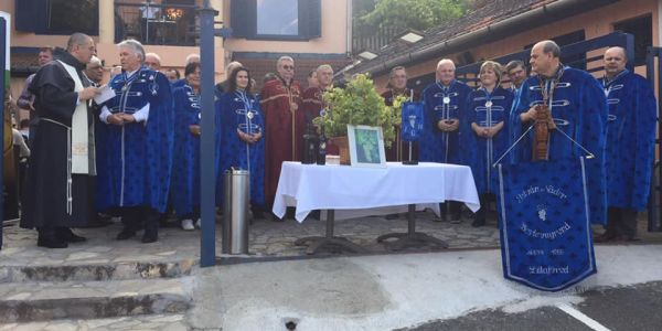 István Nádor Borlovagrend  részt vett az Avasi Borangoláson