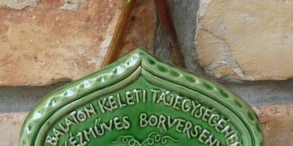 Kézműves Borverseny a Kelet Balatoni Borlovagrend szervezésében