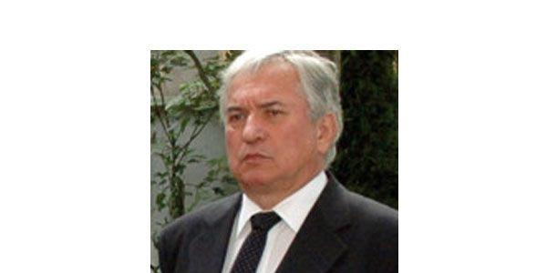 Dr. Oláh András