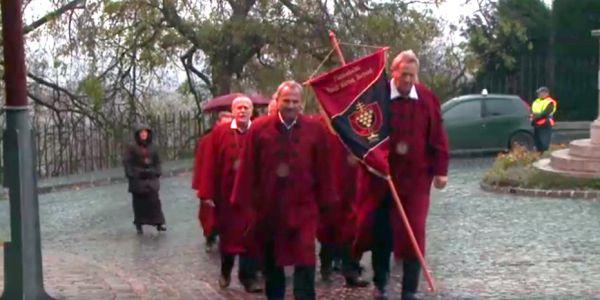 Újabb tagokkal bővült a Pannonhalmi Szent Márton Borrend