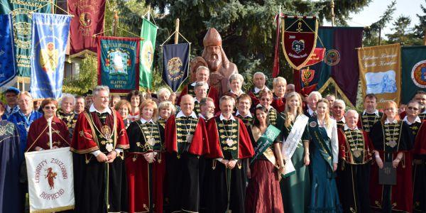 Évfordulót ünnepelt a Kelet-Balatoni Borlovagrend